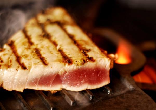 Grilled Tuna & Mango-Habañero Butter